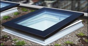Fakro Dachfenster - Flachdachfenster - Fensterhof