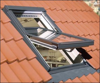 Fakro Dachfenster Schwingfenster Aussenansicht