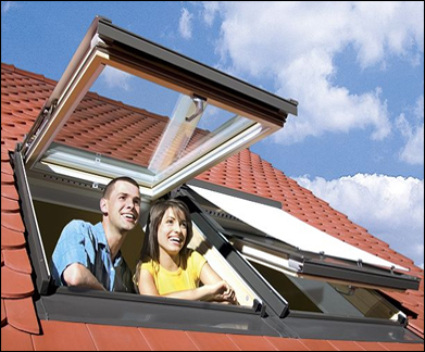 Klapp- Schwingfenster - Fakro Dachfenster aus Holz - Dauerlüftung V40P