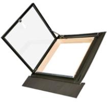 Fakro Ausstiegsfenster WLI - Ausstiegsfenster - Fensterhof - Holz Dachfenster