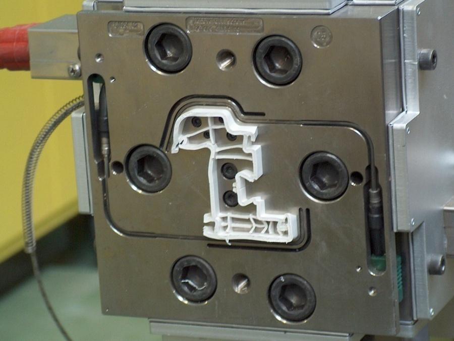 Produktion von Kunststoff Profilen für Fenster und Türen - Drutex S.A.